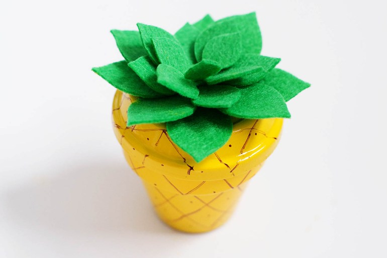 Summer camp inspired pineapple pot with felt succulent craft!