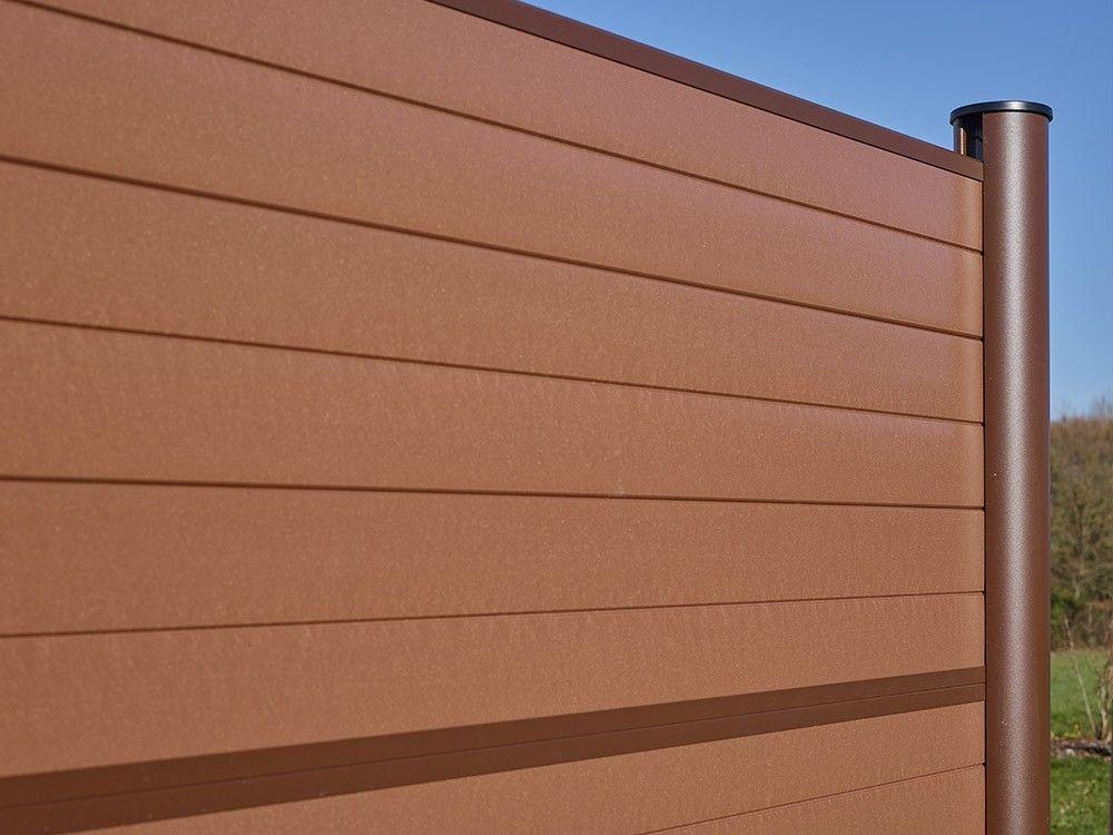 imagen de valla instalada marron