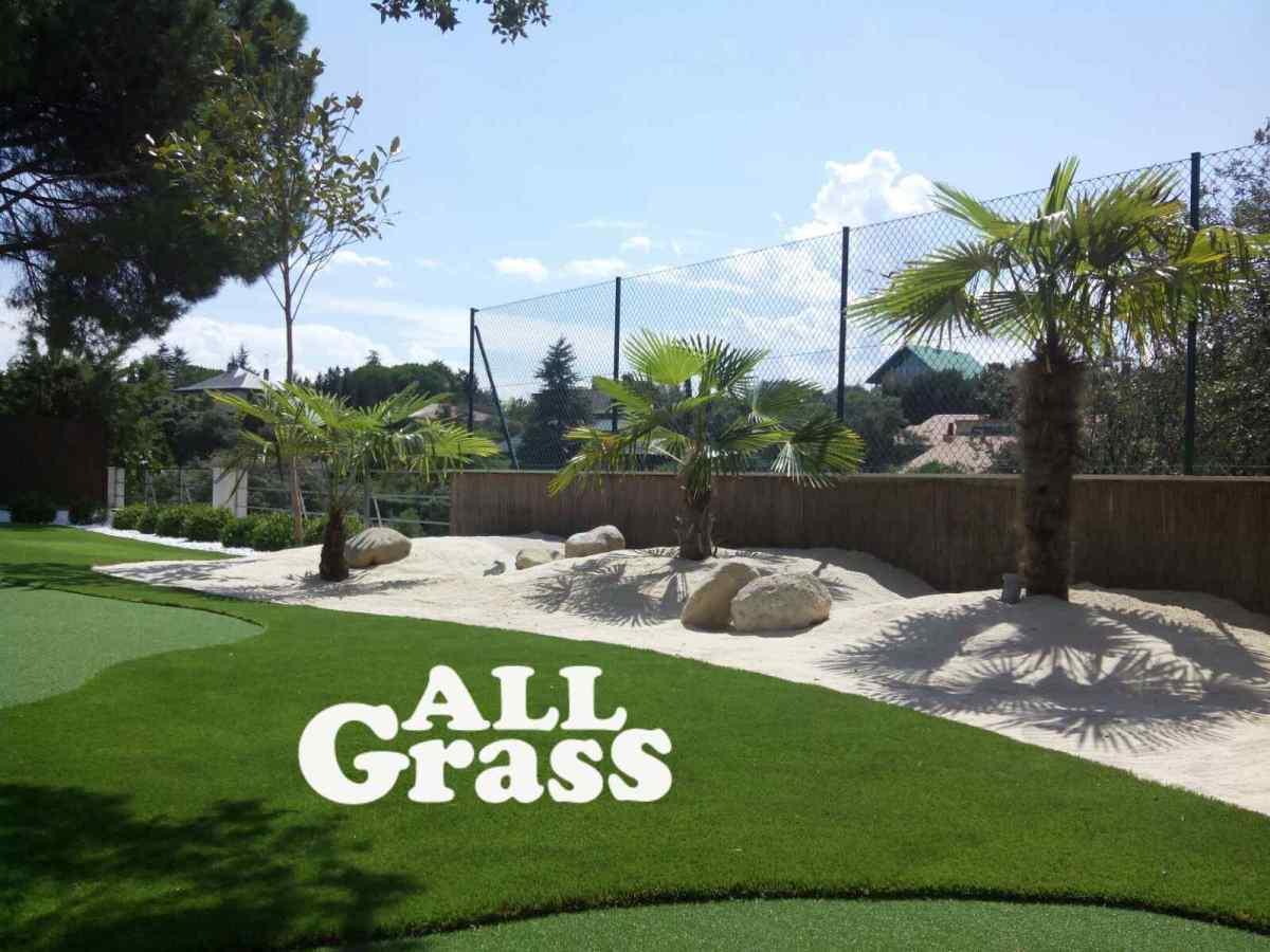 proyecto de golf con paisajismo en lomas y palmeras
