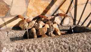 fuente de granito en atico
