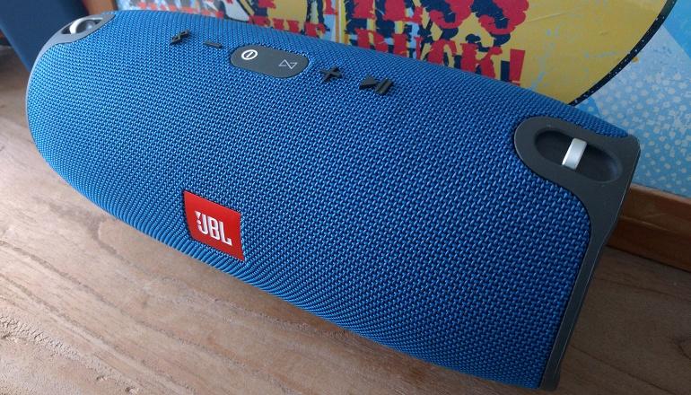 jbl-xtreme-bluetooth-speaker-big-1
