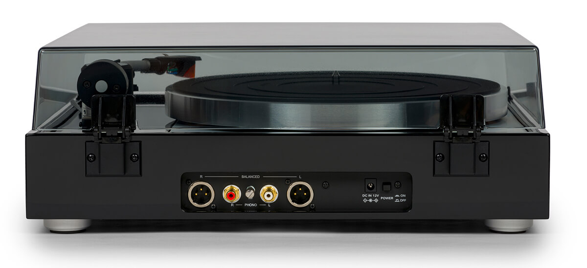Thorens TD 1500 record player: back with XLR connectors