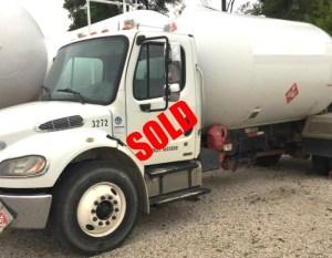 3200 gallon bobtail sold