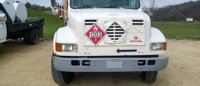Used International 2700 gallon refined fuel truck for sale