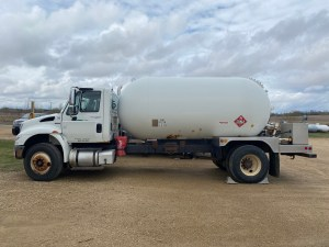 Used 3499 gallon bobtail for sale