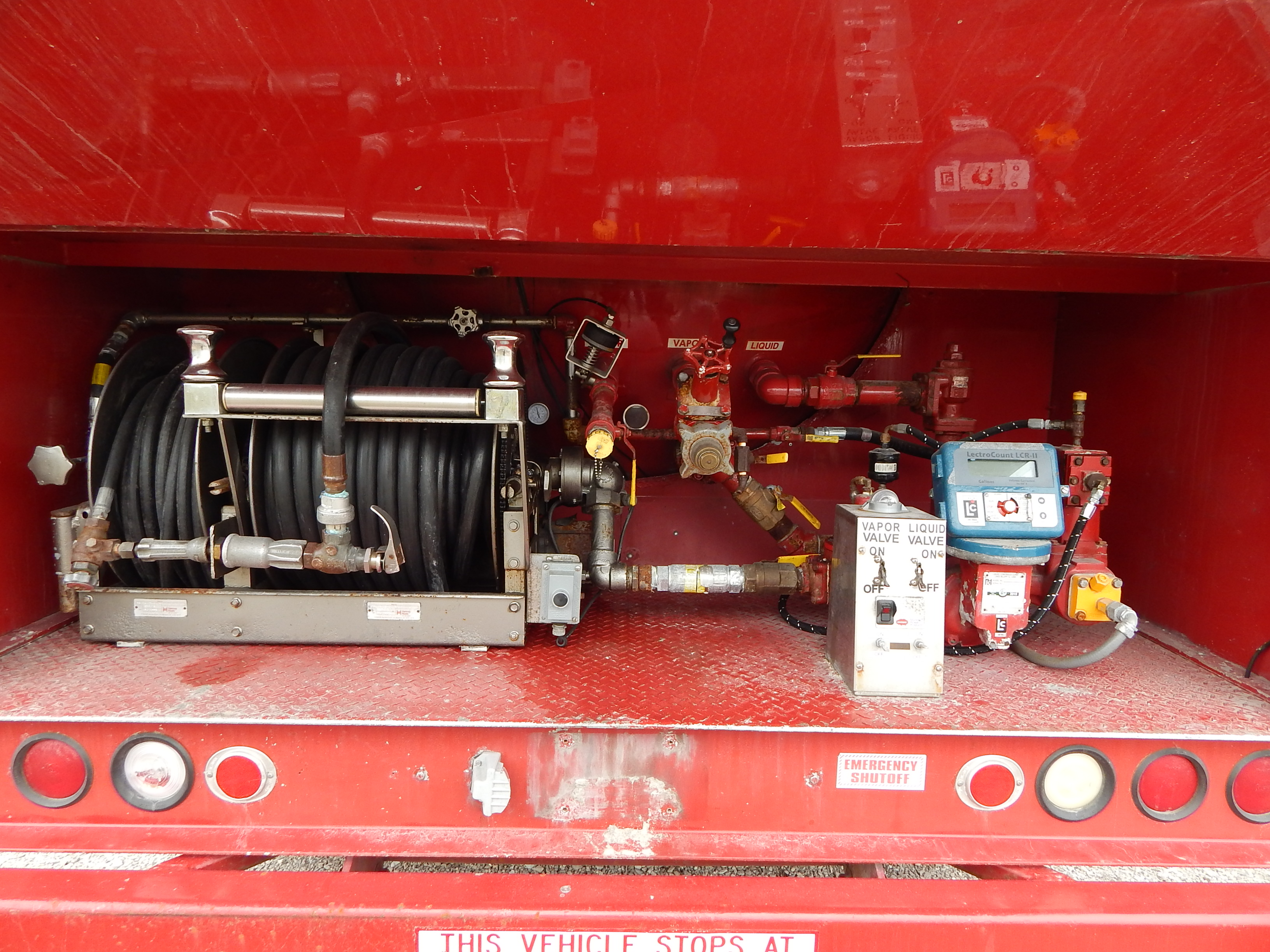 Used 3000 gal propane delivery truck for sale