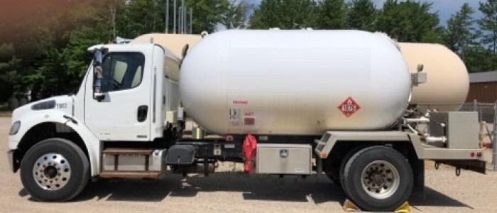 2010 Freightliner 3000 gallon truck
