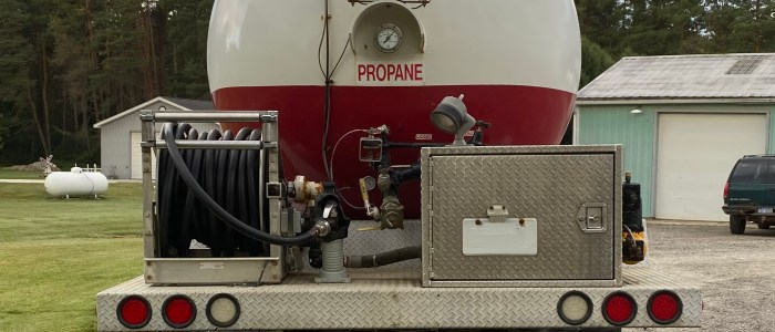Used Peterbilt 3000 gallon bobtail for sale