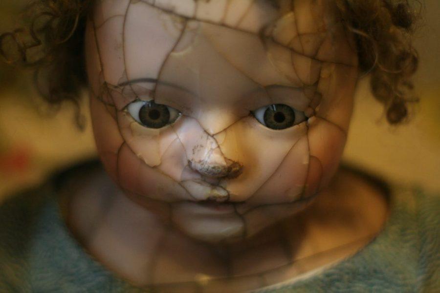 broken face image