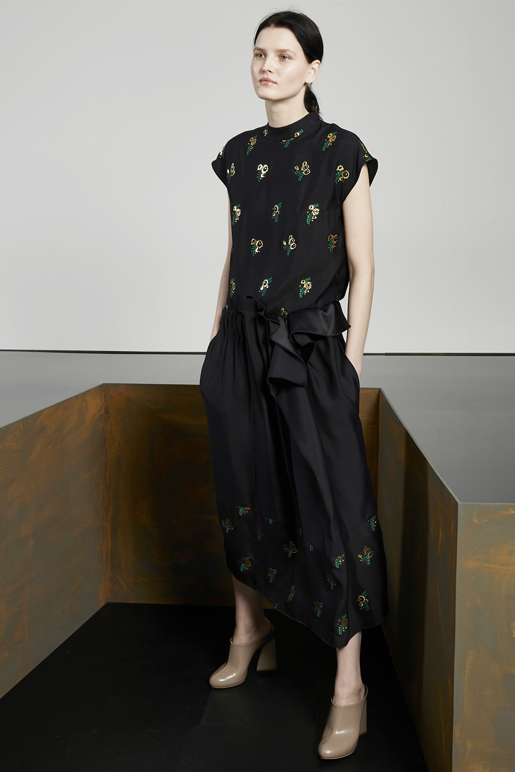 Stella-McCartney-Pre-Fall-2015-15