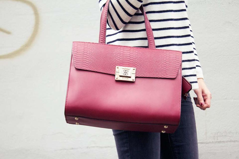 Guess-Bag