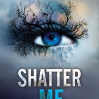 REVIEW | Shatter Me by Tahereh Mafi