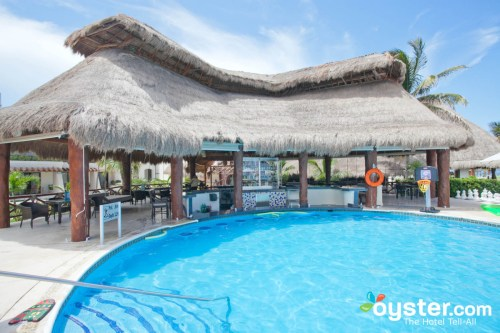 Azul Beach Hotel activities pool
