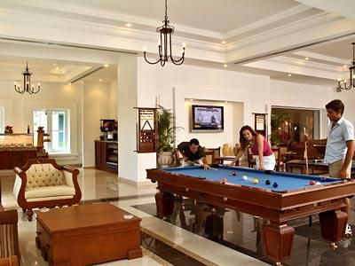 THE Royal Playa del Carmen VIP Lounge