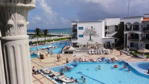 THE Royal Playa del Carmen pools