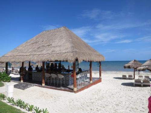 Now Sapphire Riviera Cancun beach