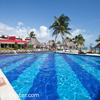 Temptation Resort Spa Cancun activity pool