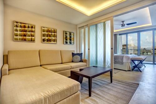 Royalton Riviera Cancun family suite