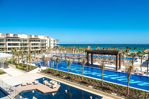 Royalton Riviera Cancun main pools