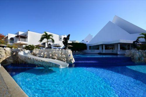 Sunset Marina Resort and Yacht Club pool