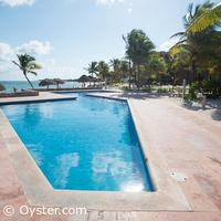 Grand Oasis Tulum condo pool