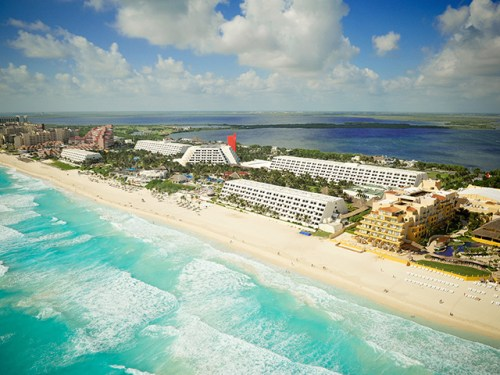 Grand Oasis Cancun aerial view