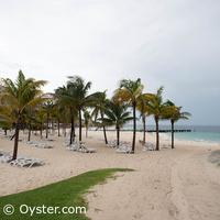 Riu Palace Peninsula non-rocky beach area, courtesy Oyster.com