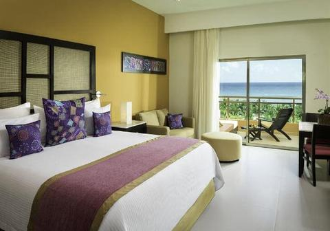 Sensimar Seaside Suites Premium Jr. Suite room