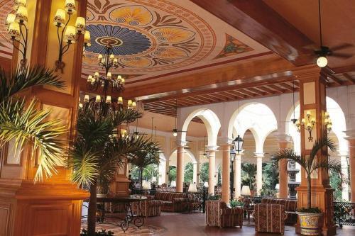 ClubHotel Riu Tequila lobby