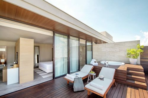 Lat 20 by Live Aqua Master Suite balcony