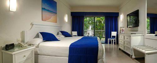 Riu Yucatan standard guest room