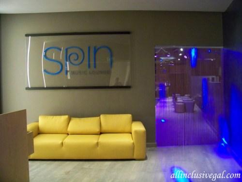 Dreams Playa Mujeres Spin disco entrance