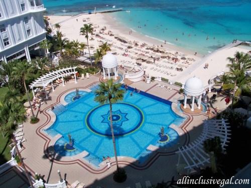 Riu Palace Las Americas quiet pool