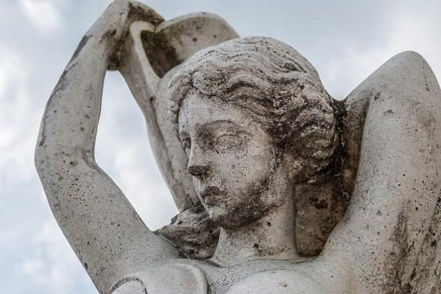 statue-2063696_640
