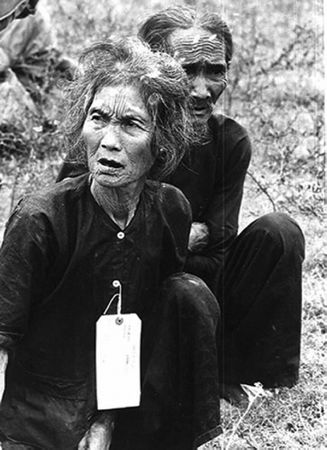 327px-Vietnamese_villagers_suspected_of_being_communists_by_the_US_Army_-_1966