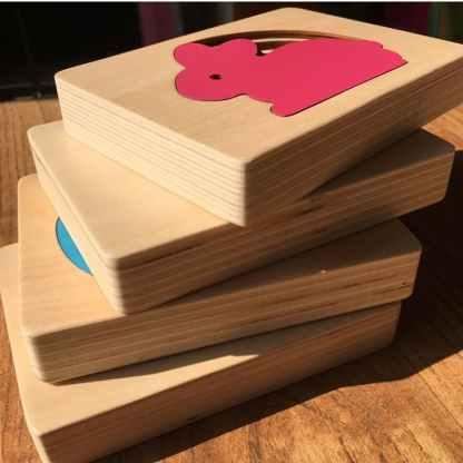 Puzzle superposition d animaux en bois