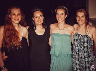 Η υπέροχη Ελένη Ουζουνίδου με τις εξίσου υπέροχες μαθήτριες της: Νάγια Μητσάκου , Γεωργία Γρίβα και Κατερίνα Βασίλειου...