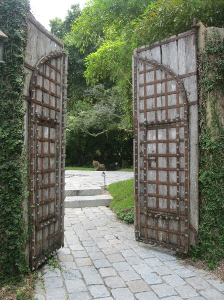 A welcoming entrance to the Kundalini Center in Altamonte Springs, FL