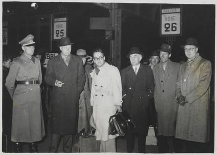 Le retour des écrivains ayant participé au voyage en Allemagne, en gare de l'Est © Archives nationales / Alain Berry
