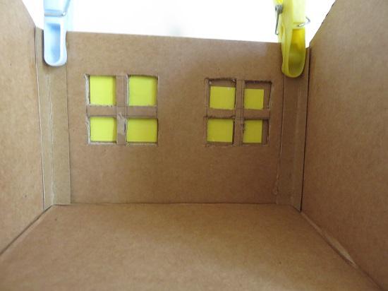 7. maison en carton