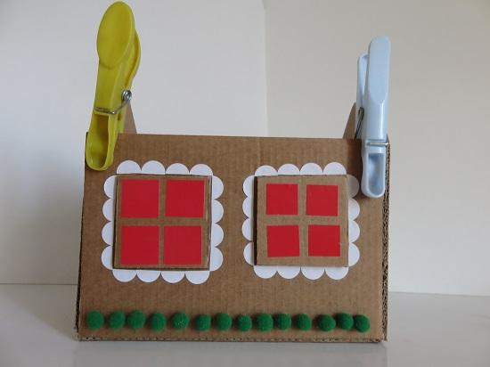 8. maison en carton