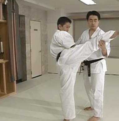 上段回し蹴り・ハイキック【テクニック】