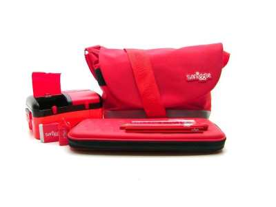 Smiggle adds red