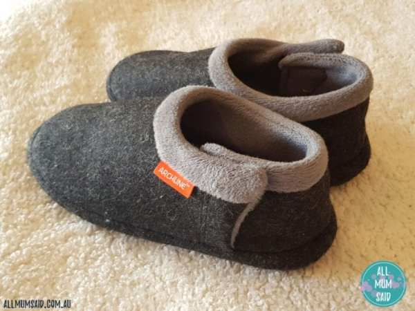 Archline orthotic slippers closed