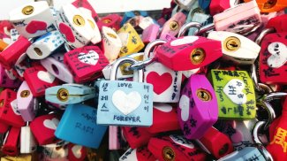 One of the photo evidence of my love lock I had taken in 2016