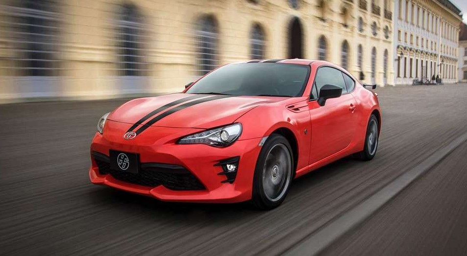 2021 Toyota GT-86 test drive with its new engine system
