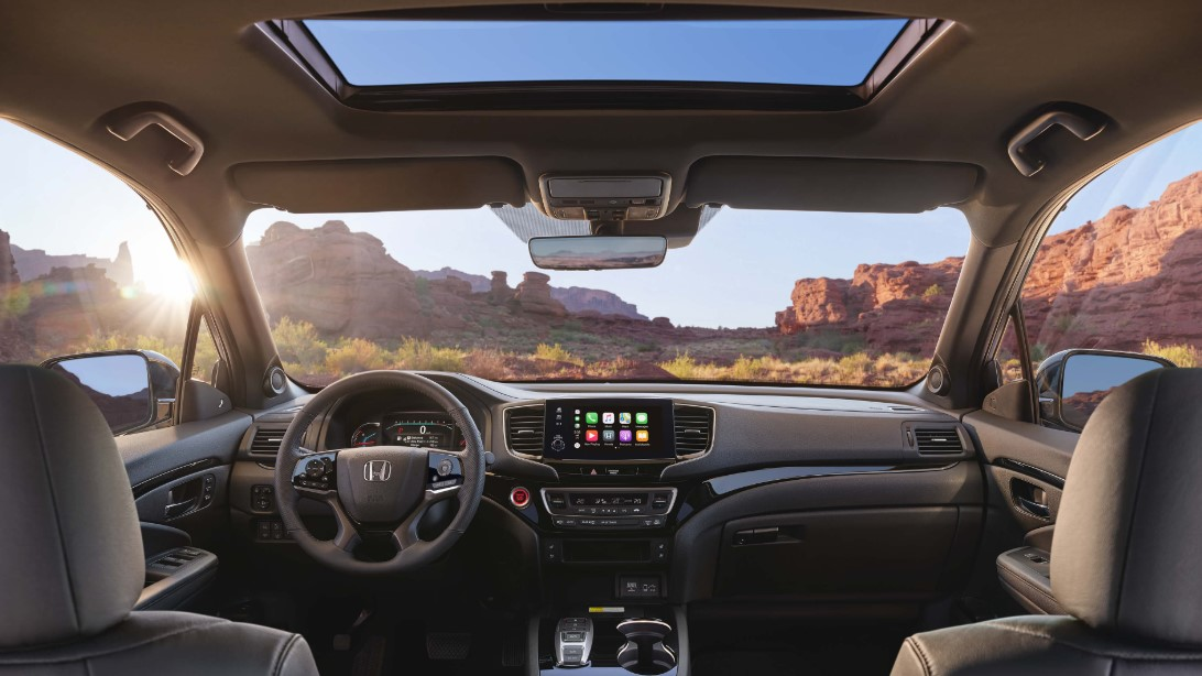 2022 Honda Passport Cabin Design and Infotainment Features