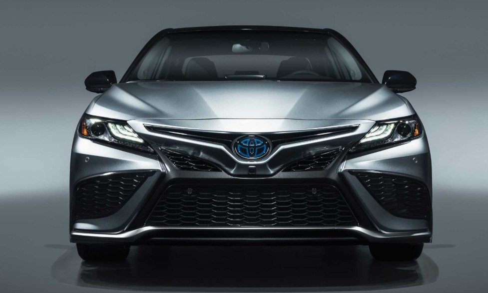 2021 Toyota Camry Hybrid Front View