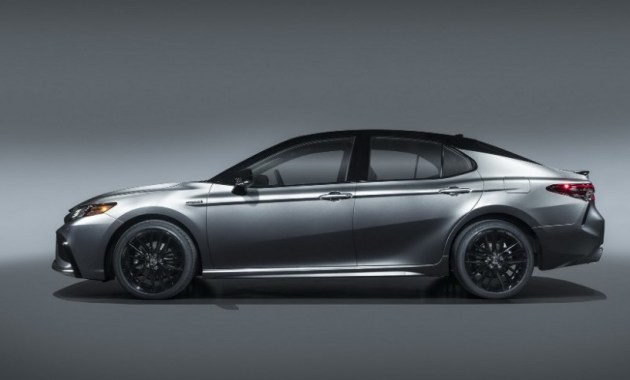 2021 Toyota Camry Hybrid Side View