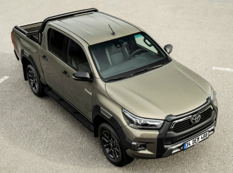 2021 Toyota Hilux View from top